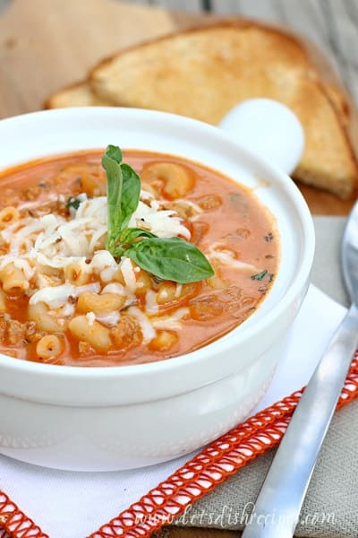 Cheesy Beefaroni Soup