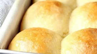 Fluffy No-Knead Dinner Rolls