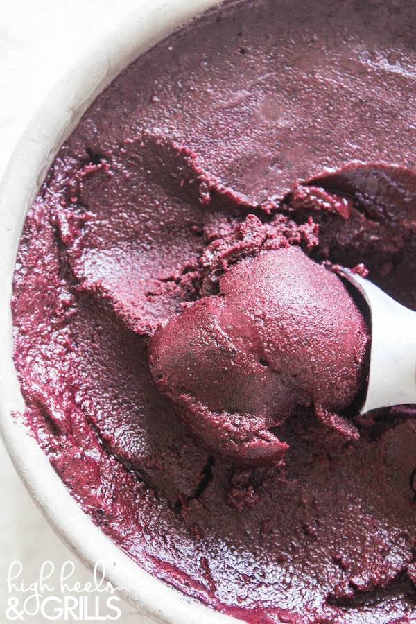 Skinny Blueberry Frozen Yogurt