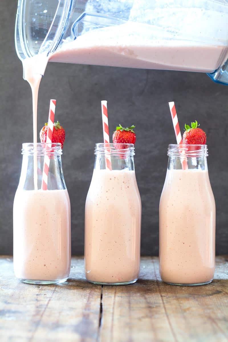Easy Strawberry Banana Milkshake