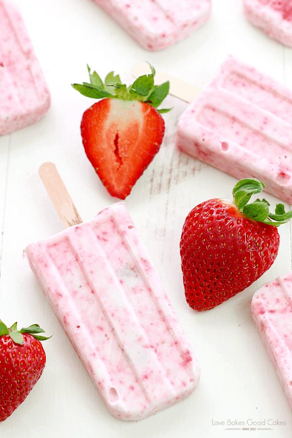 Strawberry Yogurt Popsicles {Love Bakes Good Cakes}