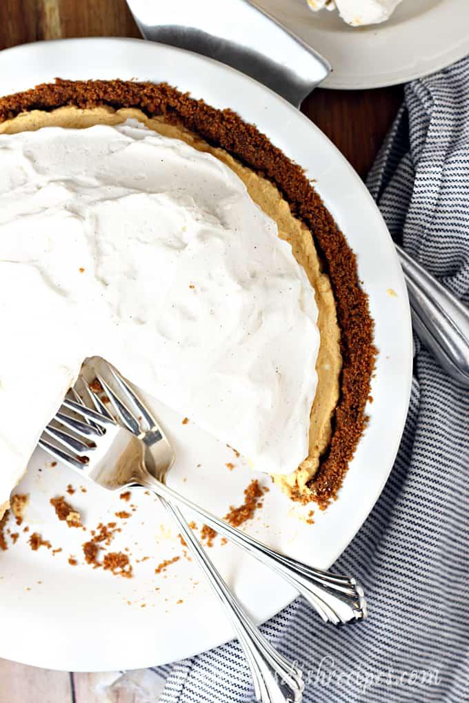 No-Bake Pumpkin Mousse Pie
