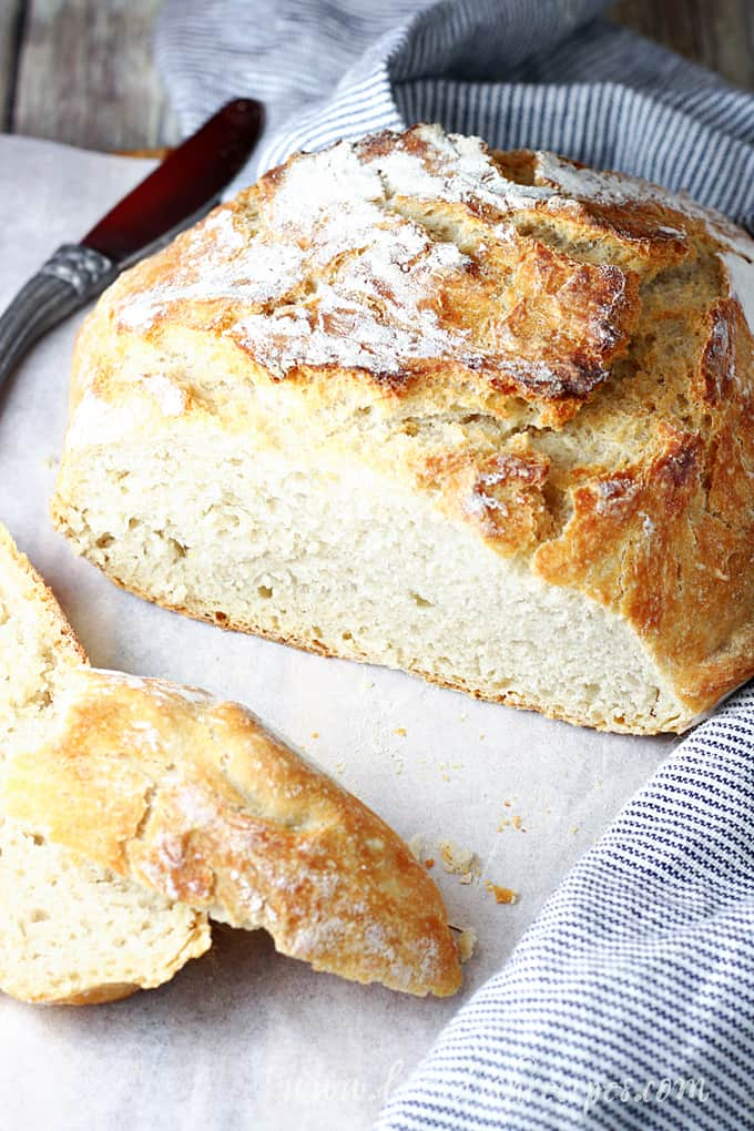 Easy No-Knead Dutch Oven Bread